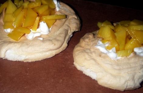 mango pavlovas