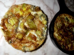individual frittatas with leek and blue cheese