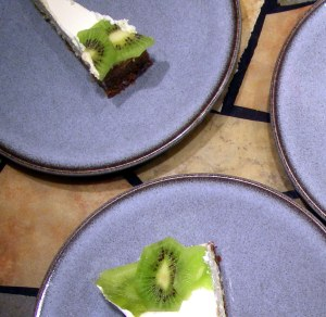 key lime cheesecake with kiwi