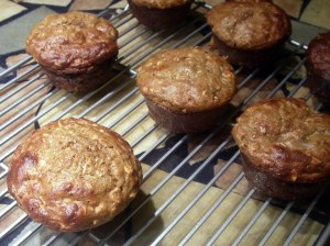 peach oat muffins