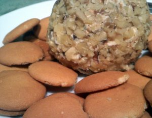 cheesecake ball with cookies