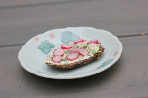 organi radish sandwich
