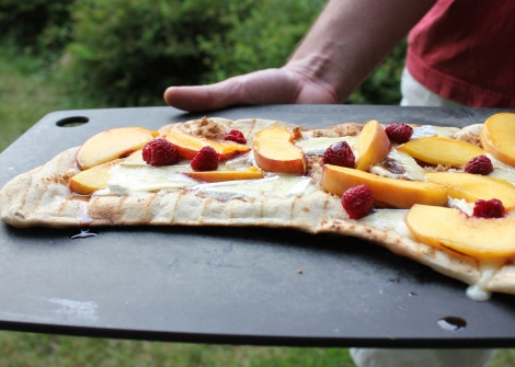grilled brie pizza